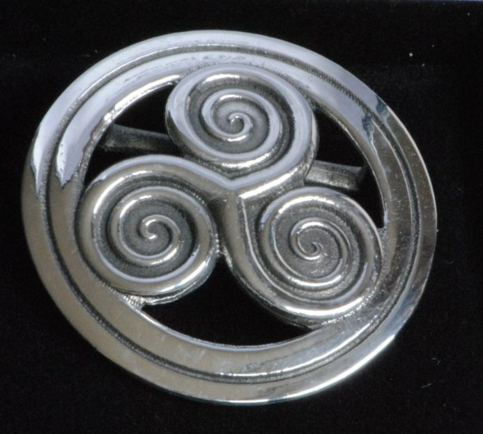 Ladycrow pewter  scarf ring Origin